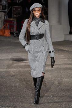 Tommy Hilfiger Fall 2019 Ready-to-Wear Fashion Show - Vogue Fashion Week, Fashion 2020, New York Fashion, Runway Fashion, High Fashion, Winter Fashion, Fashion Outfits, Womens Fashion, Fashion Spring