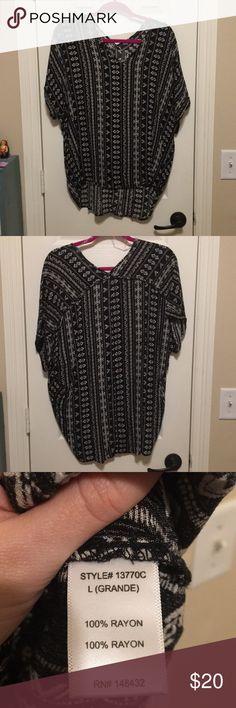 Black & White Aztec Print short sleeve blouse Black & White Aztec Print short sleeve blouse Staccato Tops Blouses