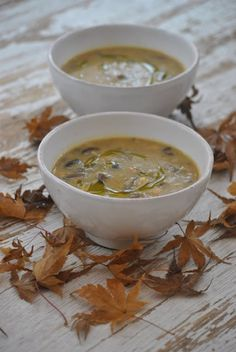 Il freddo è arrivato...e per riscaldarmi mi piace preparare zuppe e creme di verdure. E' il periodo dell'anno migliore per il comfort food. Comfort food, solo a pronunciarlo mi fa venir voglia di calo
