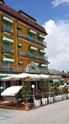 Hotel Trifoglio Lido di Jesolo Featuring a private beach, Hotel Trifoglio is located in Lido di Jesolo. Free Wi-Fi is available in public areas and guests can make use of the free bikes to explore the surroundings.