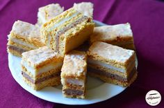Prajitura cu foi de zahar ars Romani, Cornbread, Sim, Ethnic Recipes, Food, Meal, Essen, Corn Bread
