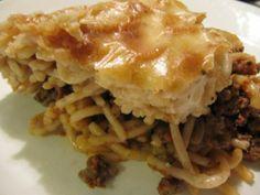 Mehevä jauheliha-spagettivuoka Apple Pie, Lasagna, Good Food, Ethnic Recipes, Desserts, Koti, Interesting Recipes, Red Peppers, Tailgate Desserts