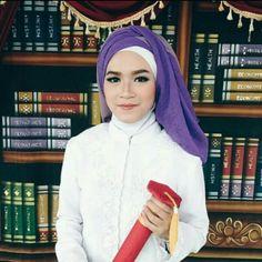 makeup artist hijab stylist dan persewaan kebaya wisuda seluruh indonesia 085737156800, instagram hikmahnf line hikmahfitri. based on sidoarjo surabaya gresik malang. mulai dati paket 300.000 bisa mendapatkan paket fasilitas persewaan kebaya , bustiar, bawahan, makeup, hijabstyling. perseqaan hijab dan aksesori. bisa datang ke rumah. ninja dipersiapkan sendiri oleh klien.