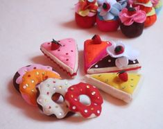 Sewing Crafts, Sewing Projects, Felt Cake, Felt Play Food, Creations, Xmas, Homemade, Desserts, Calories