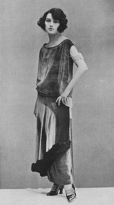 "kittyinva: "" Kittyinva: 1922-24 I want her hair! I love the way it plays up her eyes. """