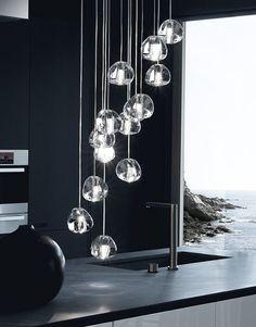 Lampe suspension contemporaine en cristal MIZU  TERZANI Chandelier Bulle, Bubble Chandelier, Crystal Chandelier Lighting, Led Pendant Lights, Sconce Lighting, Cool Lighting, Modern Lighting, Chandeliers, Pendant Lamp