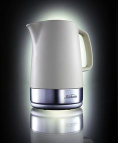 Sunbeam Ceramic kettle, KE9300 has a polished stainless steel base with a…