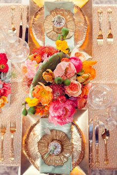 Just look at those Colors!! I am so in love with Copper lately! But this is too stunning for words! Wow.... Urban Palm Springs Styled Shoot - www.theperfectpalette.com
