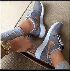 Nike Roshe Run One Women's Size 5 Anthracite/Metallic Gold/Wolf Grey 511882 070 More