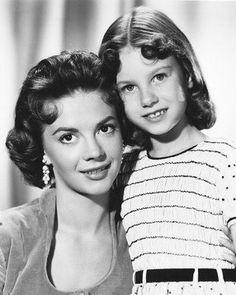 actresses Natalie Wood & Lana Wood