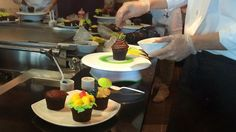 Decorating cupcakes on Norwegian Getaway