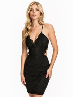 677723102850 Lace Cut Out Dress - Nly One - Schwarz - Partykleider - Kleidung - Damen -  Nelly.