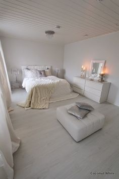 Coconut White: White christmas bedroom