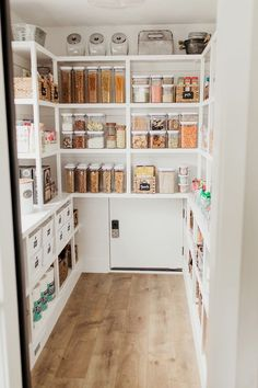 Bauernhaus Pantry Überholung It's here! The post we've all long anticipated! Our Clean Eats Kitchen pantry reveal! I am so excited to share this space with you! When we started renovating our kitchen I was so hesitant about knocking down a wall and turnin Kitchen Pantry Design, Kitchen Organization Pantry, Home Decor Kitchen, Interior Design Kitchen, Home Organization, Pantry Shelving, Shelving Ideas, Kitchen Pantries, Organized Pantry