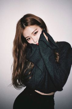 Find images and videos about kpop, rose and blackpink on We Heart It - the app to get lost in what you love. Kpop Girl Groups, Kpop Girls, Foto Filter, Black Pink ジス, Blackpink Photos, Jennie Blackpink, Blackpink Jisoo, Forever Young, Ulzzang Girl