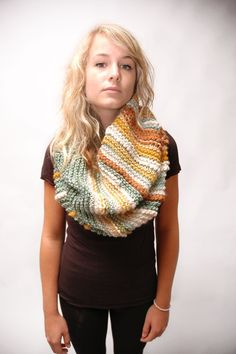 the Florence cowl by dearshark on etsy--looks so comfy, and great colors!