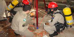 Treinamento de resgate em comemoração ao Dia Nacional do Bombeiro - http://projac.com.br/noticias/treinamento-de-resgate-em-comemoracao-ao-dia-nacional-do-bombeiro.html
