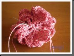 お花みたいな☆フリルたっぷりのヘアゴム♪の作り方 手順|10|編み物|編み物・手芸・ソーイング|ハンドメイド、手作り作品の作り方ならアトリエ Raspberry, Crochet, Handmade, Knit Crochet, Craft, Crocheting, Chrochet, Raspberries, Hooks