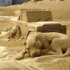 amazing sand sculptures 0 Insane sand sculptures that Im convinced were done by aliens Photos) Snow Sculptures, Sculpture Art, Chef D Oeuvre, Oeuvre D'art, Sleeping Lion, Ice Art, Snow Art, Grain Of Sand, Beach Scenes