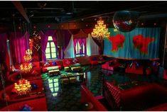 日本国内外で大活躍中のフォトグラファー、蜷川実花さんが上海にプロデュースし、この2013年3月にオープンしたカフェ・バー・クラブ...