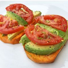 """Ok so this is brill -- from @fitgirlresa: """"I'm loving this Sweet Potato Toast topped with Avocado, Tomato, Salt, Pepper & Lemon/Lime Zest. Yep, I sliced my sweet potato & put it in the toaster on high for 2 rounds. It is magnificent!"""" . Tag us in food photos you want us to see right away! ❤️ #28dayjumpstart #FitkiniBodyChallenge #FitGirlsBootCamp"""