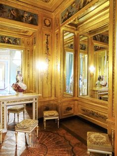 Gold Cabinet, , Albertina State Rooms | Photo: 2016, © Albertina, Wien #AlbertinaStateRooms #AlbertinaPrunkräume State Room, Antique Decor, Decoration, Albertina Wien, Austria, Cabinet, Vienna, Antiques, Castles