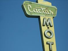 Vintage motel sign #boulderinn