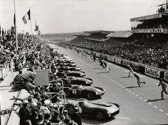 The 1955 Le Mans tragedy that changed the face of motor racing involving Jaguar, Mercedes-Benz and Austin-Healey, Hawthorn, Levegh, Fangio and Macklin. Sports Car Racing, Racing Team, Sport Cars, Auto Racing, Motor Sport, Road Racing, 24 Hours Le Mans, Le Mans 24, 1955 Le Mans Disaster