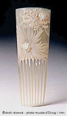 Ethereally carved flower hair comb from Lucien Gaillard Peigne. Picture: Museum d . Ethereally carved flower hair comb from Lucien Gaillard Peigne. Image: Museum d'Orsay Hair Jewelry, Jewelry Art, Antique Jewelry, Vintage Jewelry, Jewellery, Fantasy Jewelry, Wedding Jewelry, Vintage Hair Combs, Vintage Hair Accessories
