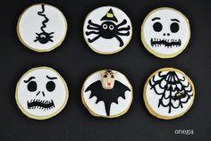 Galletas de Halloween con fondant blanco y negro