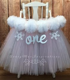 Winter Onederland First Birthday High Chair Tutu Highchair tutu High Chair Banner High Chair Skirt Highchair BannerWinter Birthday by AvaryMaeInspirations on Etsy First Birthday Winter, Princess First Birthday, 1st Birthday Party For Girls, Winter Birthday Parties, Girl Birthday Themes, Baby First Birthday, Birthday Chair, Birthday Ideas, Birthday Banners