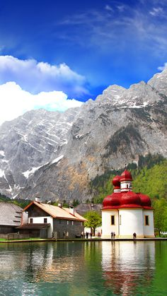 Berchtesgaden-beautiful pictures in Bavaria Great Places, Beautiful Places, Places To Visit, Amazing Places, Beautiful Pictures, Landscape Wallpaper, Nature Wallpaper, Nature Landscape, Windows Wallpaper