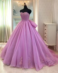 Sweetheart neck lavender tulle formal prom gown, evening dress with bowknot from Sweetheart Dress Ball Gowns Prom, Ball Gown Dresses, Homecoming Dresses, Pretty Dresses, Beautiful Dresses, Fancy Gowns, Quince Dresses, Lavender Quinceanera Dresses, Sweetheart Dress