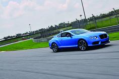 Flying B Roaring GT | 벤틀리 컨티넨탈 GT의 입문용 V8 모델에 S 버전이 더해졌다. 말레이시아 세팡 서킷에서 살짝 맛본 느낌은, 우렁차고 활기차며 가치가 크다