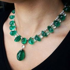 @davidwarrenchristies -  Emerald bead drop necklace with matching earrings and…