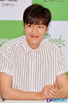 2016 June 29 (Wed) | #ActorLeeMinHo | #LeeMinHo | #Korean #Actor #HallyuStar | #ASIA Most Popular #IDOL| Fan Sign |#Autograph | #Minoz | #GoodBase |#Korea #Ginseng | KGC | #Chokeberry | #Blueberry | #Pomegranate | #Pear | P03 of P08 |(Source: TV Report  | Facebook |  [https://www.facebook.com/tvrnews/photos/ms.c.eJxFzNkNwEAIA9GOIjCYo~;~;GopA9fp88VpinRUqQlW2PbuhqKOKCAfSQDZWT5FlU~;cALkzgWpPA7ldYDPQn9BU4LG4g~-.bps.a.1234736659892131.1073742314.392457514120054/1234737096558754/?type=3&theater]