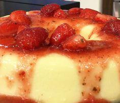 Pudim de Chocolate Branco com Calda de Morango | Doces e sobremesas > Receitas de Pudim | Mais Você - Receitas Gshow