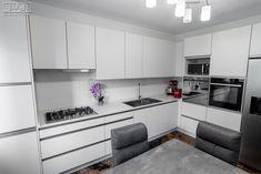 Proiect bucatarie Voluntari | Kuxa Studio, expert in mobila de bucatarie - 5368 Kitchen Cabinets, Table, Furniture, Studio, Design, Home Decor, Decoration Home, Room Decor, Cabinets
