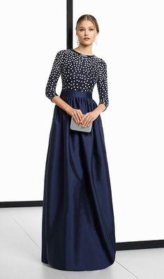 Pronovias vs. Rosa Clará  diez vestidos que te convertirán en la madrina  perfecta 61127d45165c