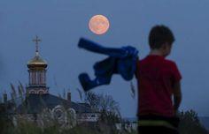 Riazán, Rusia - MAXIM SHEMETOV/REUTERS/Reuters...Ryazan Russia Super Moon 9/27/2015