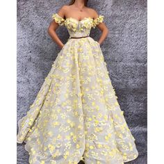 Off the Shoulder Prom Dresses 2019 Short Sleeve Flowers Yellow Prom Gown Vestido De Festa Grad Dresses, Ball Gown Dresses, Ladies Dresses, Wedding Dresses, Elegant Dresses, Pretty Dresses, Formal Dresses, Elegant Ball Gowns, Casual Dresses
