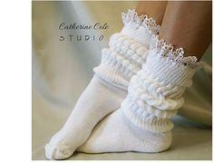 LAPIN câlin en dentelle blanche-chaussettes par ForeverLaceBoutique