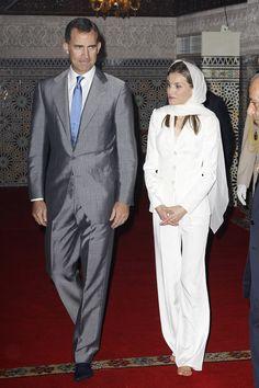 Letizia, una reina con velo y descalza #realeza #royalty