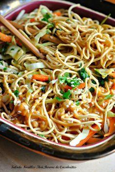 Salade De Nouille Thaï,Beurre de Cacahuètes,repas 10 minutes chrono – The Heart In The Stomach Easy Salads, Healthy Salad Recipes, Thai Recipes, Veggie Recipes, Asian Recipes, Asian Cooking, Healthy Cooking, Cooking Recipes, Baguette