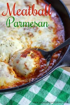 Baked Meatball Parmesan Baked Meatball Parmesan recipe at Served Up With Love is made with just 5 ingredients and one pan! Its cheesy, saucy, goodness is perfect for any night of the week. Meatball Bake, Meatball Recipes, Meat Recipes, Cooking Recipes, Recipes With Meatballs, Beef Recepies, Meatball Casserole, Recipies, Parmesan Meatballs