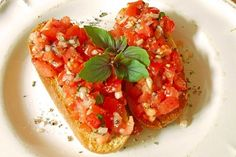 Bruschetta italiana, a great recipe from the vegetables category. Ratings: Average: Ø The post Bruschetta italiana appeared first on Food Monster. Appetizer Recipes, Snack Recipes, Easy Smoothie Recipes, Think Food, Snacks Für Party, Coconut Recipes, Grilling Recipes, Finger Foods, Italian Recipes