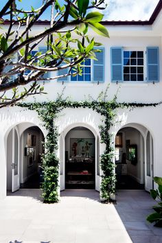 Arched windows and doorways are an architectural feature of this Mediterranean-inspired Sydney Harbour home. Photography: Brigid Arnott