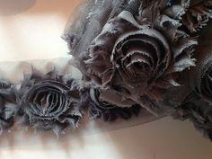 Spitzenborte - Spitze TÜLL/ROSEN grau (75mm) ab 1Meter - ein Designerstück von Pearls-and-more bei DaWanda