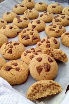 Μπισκοτάκια τραγανά !!! ~ ΜΑΓΕΙΡΙΚΗ ΚΑΙ ΣΥΝΤΑΓΕΣ 2 Biscotti Cookies, Brownie Cookies, Sweets Recipes, Cooking Recipes, Desserts, Breakfast Snacks, Diy Food, Chocolate Cake, Molten Chocolate