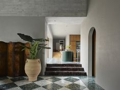 An Addition to a 1940s Home in Sydney Amplifies Its Connection to the Outdoors #dwell #homeaddition #australia #moderndesign #terrazzo Garden Living, Home And Garden, 1940s Home, Timber Screens, Recycled Brick, Comfortable Living Rooms, Green Palette, Terrazzo Flooring, Home
